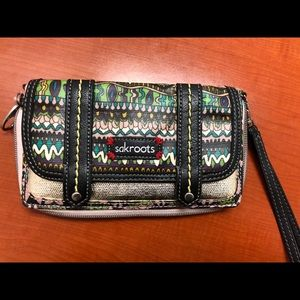 Handbags - Sakroots wallet/clutch